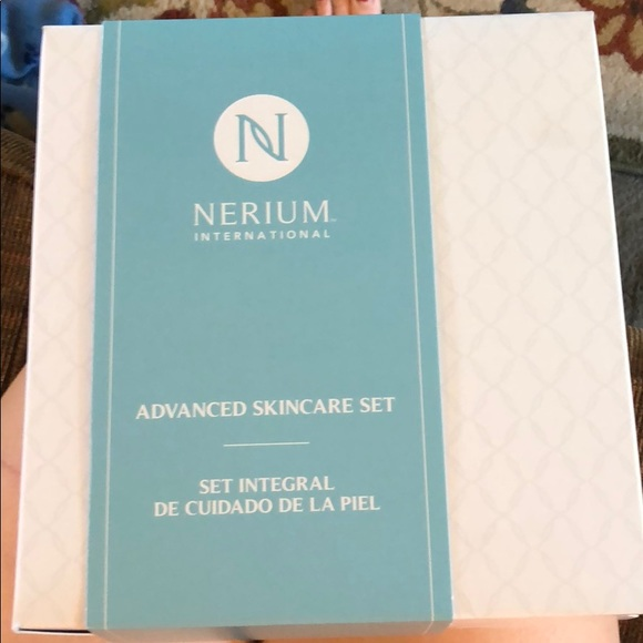 Other - Nerium advanced skincare set